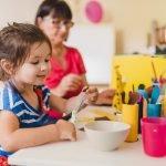 Spielidee für kleine Entdecker: Ein Fernglas aus Klorollen – Bastel- und Beschäftigungsidee zugleich