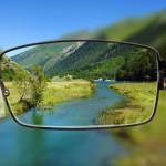 Welche Ferngläser eignen sich für Brillenträger?
