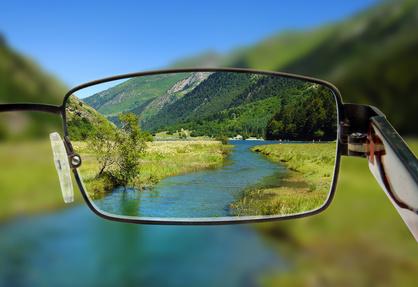 Welche ferngläser eignen sich für brillenträger fernglas